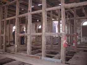 Materialentsorgung bei der hausschwammbek mpfung for Holzfachwerk verbindungen