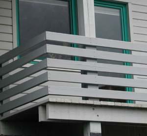 balkonaufbau mit holz kreative ideen f r innendekoration. Black Bedroom Furniture Sets. Home Design Ideas